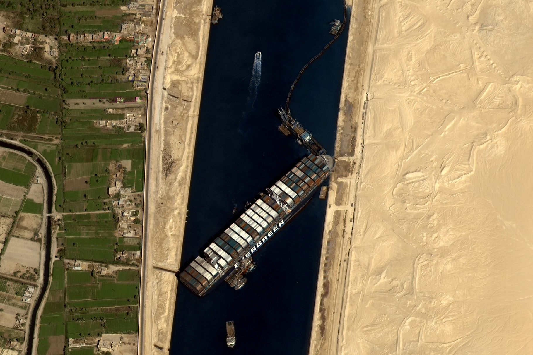 Microsoft Flight Simulator: How to Install Latest mod featuring the cargo ship stuck in the Suez Canal