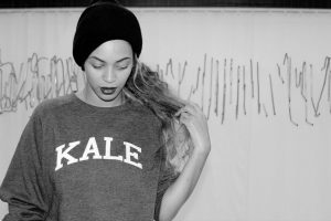 Beyoncé Kale sweatshirt And Accessories That Is Used For 7/11 Music Video Everything you need to know